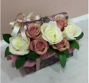 Кутия Куфар с рози